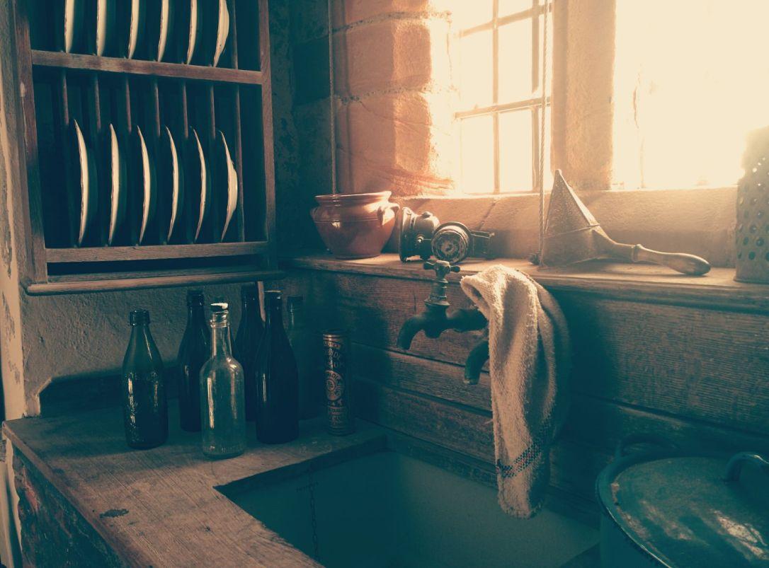 old-wooden-sink-in-kitchen
