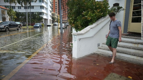 170413165536-miami-beach-flood-exlarge-169